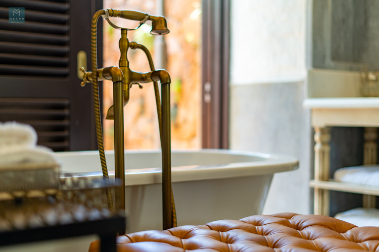 Unwind-in-a-relaxing-bath-overlooking-a-private-courtyard
